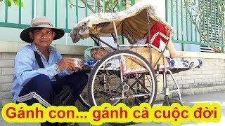Download Trao hỗ trợ ấm lòng cho người cha đẩy con gái bại liệt đi bán vé số trên phố - Guufood Video