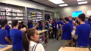 Download Apple store clap out Video