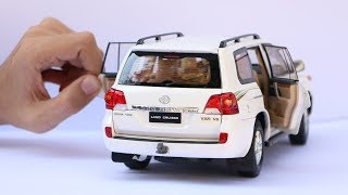 Download Unboxing of Toyota Land Cruiser V8 LC200 SUV 1:18 Scale Diecast Model Car Video