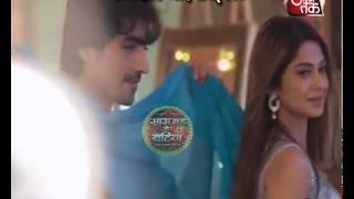Download Bepannah: Aditya-Zoya's PILLOW FIGHT! Video