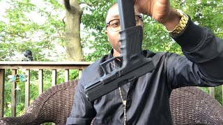 Download Black Guy Reviews A Glock!? 😳😱 Video