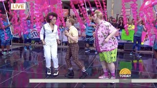 "Download The cast of Spongebob Squarepants performing ""Hero Is My Middle Name″ [LIVE] Video"