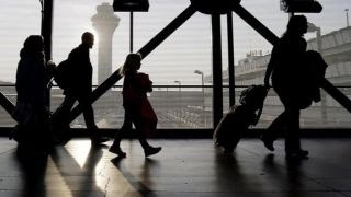 Download O'Hare Airport workers to begin strike after Thanksgiving Video