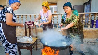 Download TRADITIONAL FOOD IN UZBEKISTAN - Unforgettable Family Meal in Khiva! Video