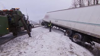 Download Highway Thru Hell: Side Pull Assistance Video