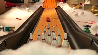 Download HOT WHEELS BOWLING FOR GIFTS Video