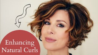 Download Enhancing Short Naturally Curly Hair Video