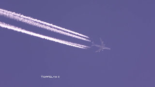 Download Aircraft Contrails Video