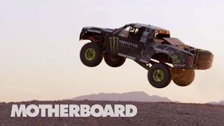 Download High Speed Off-Roading in the Mojave Desert Video
