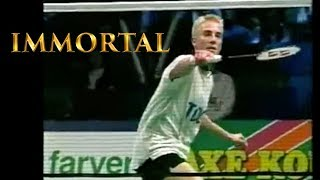 Download 10 MOST FAMOUS Badminton Trick Shots Video