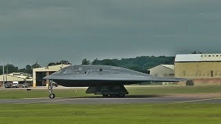 Download B-2s take off from RAF Fairford - 15/06/14 Video