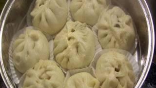 Download Steamed pork buns (Jjinppang-mandu: 찐빵만두) Video