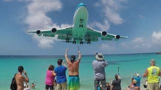 Download 30 Departures and Landings at St. Maarten (SXM) - Maho Beach ACTION Video