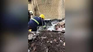 Download Nxirren të gjallë edhe dy persona në Durrës, pritet i treti, banorët Bravo, bravo çuna Video
