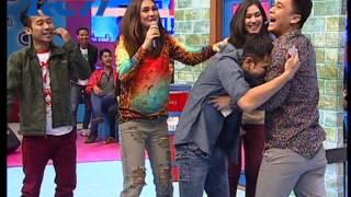 Download Dahsyat 22 Nov 13 - ″Billy & Syahnaz″ ″Raffi Ahmad & Gigi (Nagita Slavina)″ Video