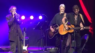 Download Harry Dean Stanton performs 'Everybody's Talkin' with Johnny Depp & Kris Kristofferson Video