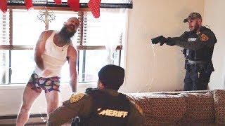Download MMA FIGHTER FALLS HARD FROM TASER Video
