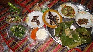 Download หมกกุ้งฝอย ก้อยกุ้ง ผักกะเดาแห้ง ตำแตง ปิ้งไส้กรอก กินข้าวแลง Video