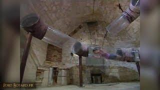 Download Fort Boyard 2003 - Louise Bourgoin dans l'épreuve du Tuyau transparent Video
