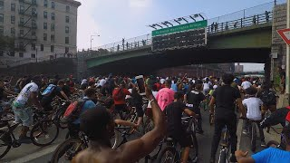 Download This Is What Happens When Hundreds of Bicycle Riders Block Traffic Video