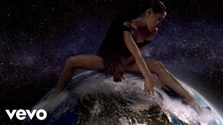 Download Ariana Grande - God is a woman Video