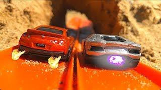 Download Hot Wheels GT-R Vs Aventador! Video