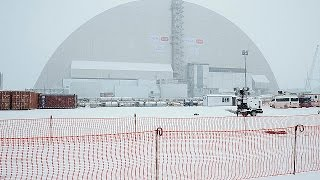 Download Chernobyl: gigantic shield to cover exploded reactor after 30 years Video