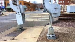 Download Minor Railroad Crossing Gate Malfunction - Wheaton, IL, 3/31/2015 Video