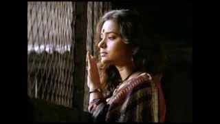 Download Amar Shokol Niye Boshe Achi- Srabani Sen Video