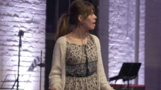 Download Claire Wineland gives inspirational talk at Klick MUSE New York Video