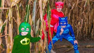 Download Corn Maze with Disney PJ Masks featuring the Assistant and Catboy, Owlette and Gekko Video