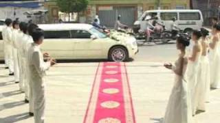 Download Đón dâu bằng xe limousine tại nhà hàng Hương Phố Video
