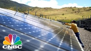 Download World's Largest Solar Farm In India To Reduce Carbon Emissions, Power Homes | CNBC Video