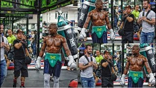 Download (DAAAMN!!) FLOYD MAYWEATHER FLAUNTS A SHREDDED PHYSIQUE FOR MCGREGOR WITH A CHISELED 6 PACK ABS Video