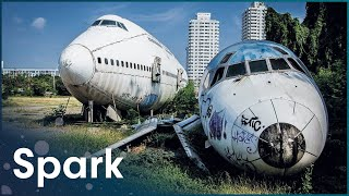 Download Jumbo Jet Strip Down | Engineering Giants | Spark Video
