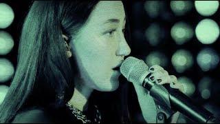 Download Alan Walker - All Falls Down Live (Stripped Down Version w/ Noah Cyrus & Juliander) Video