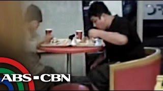 Download VIRAL: Koreano nilibre ng pagkain ang isang lola Video