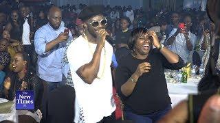 Download Bebe Cool dancing with Rwandan ladies at Kigali Jazz Junction Video