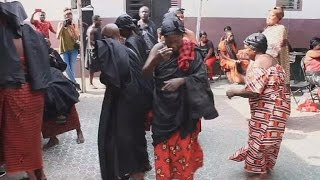 Download Ghana : le royaume Ashanti pleure sa reine-mère Video