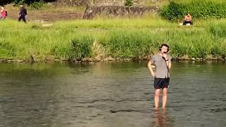 Download THIS MAN FLEW TO JAPAN TO SING ABBA IN A BIG COLD RIVER Video