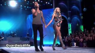 Download Maroon 5 - Moves Like Jagger, Victoria's Secret Fashion Show Live Performance.mp4 Video