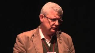 Download La justicia es demasiado importante para dejarla en mano de abogados | Gustavo Gómez | TEDxRioCuarto Video