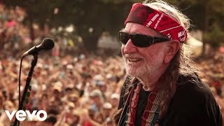 Download Willie Nelson - Roll Me Up and Smoke Me When I Die Video