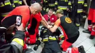 Download Zatrzymanie krążenia strażaka Video