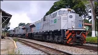 Download Trem de minério e graneleiro vazio passando em Juatuba Video