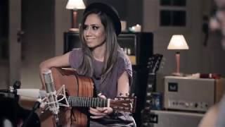 Download WALKING BY FAITH [Acoustic] - Lari Basilio - DVD The Sound Of My Room (2015) Video