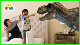 Download Jurassic World Fallen Kingdom Dinosaurs T-Rex Visits Ryan ToysReview at home! Video