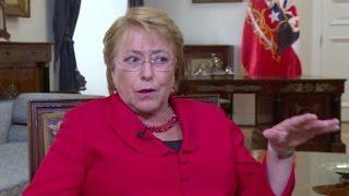 """Download Bachelet espera de Trump """"cooperación"""" con América Latina Video"""