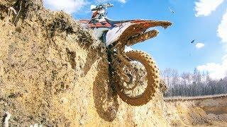 Download Enduro Vertical Riding 4K Video