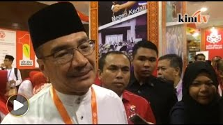 Download ″Setia dan taat, itu asas kekuatan Umno,″ kata Hishammuddin Video